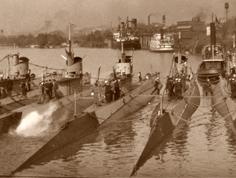 Submarines at Rockett's Landing