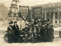 Equal Suffrage League of Richmond at Capitol Square (Richmond, Virginia), 1915 (2002.225.1). Gift of Adele Clark.