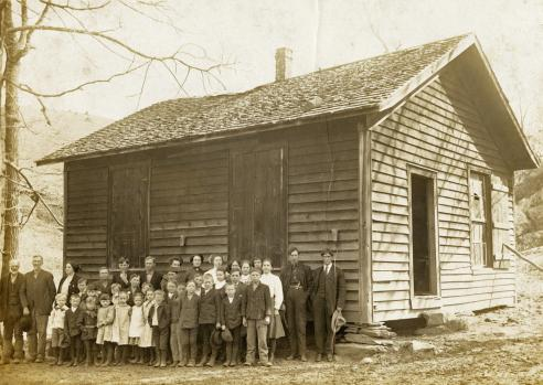 Possum Hollow Schoolhouse, Floyd County, 1910