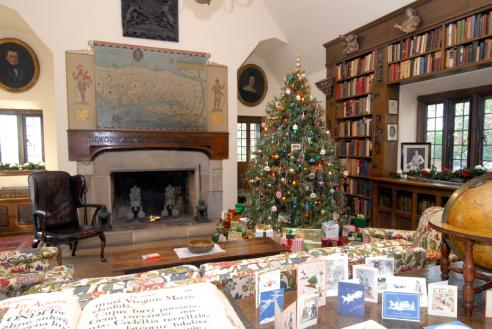 The library at Virginia House decorated for the holidays.