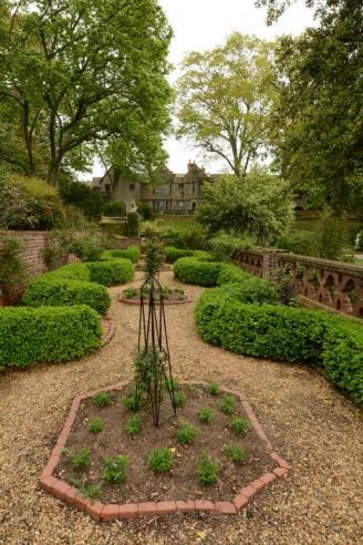 The gardens at Virginia House